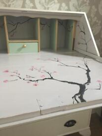 Bureau // shabby chic // Farrow and Ball // hand painted // furniture // bedroom // Desk // table