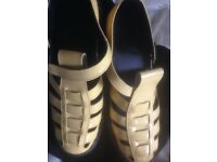 Pair of size 9 shiny sandals