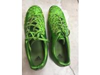 Mens/boys green Nike Predator football boots UK size 8