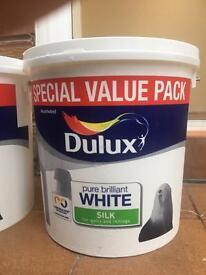 White dulux paint