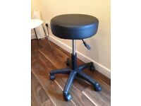 Brand New Roller Stools With Hydraulic Raise Unused Still In Box