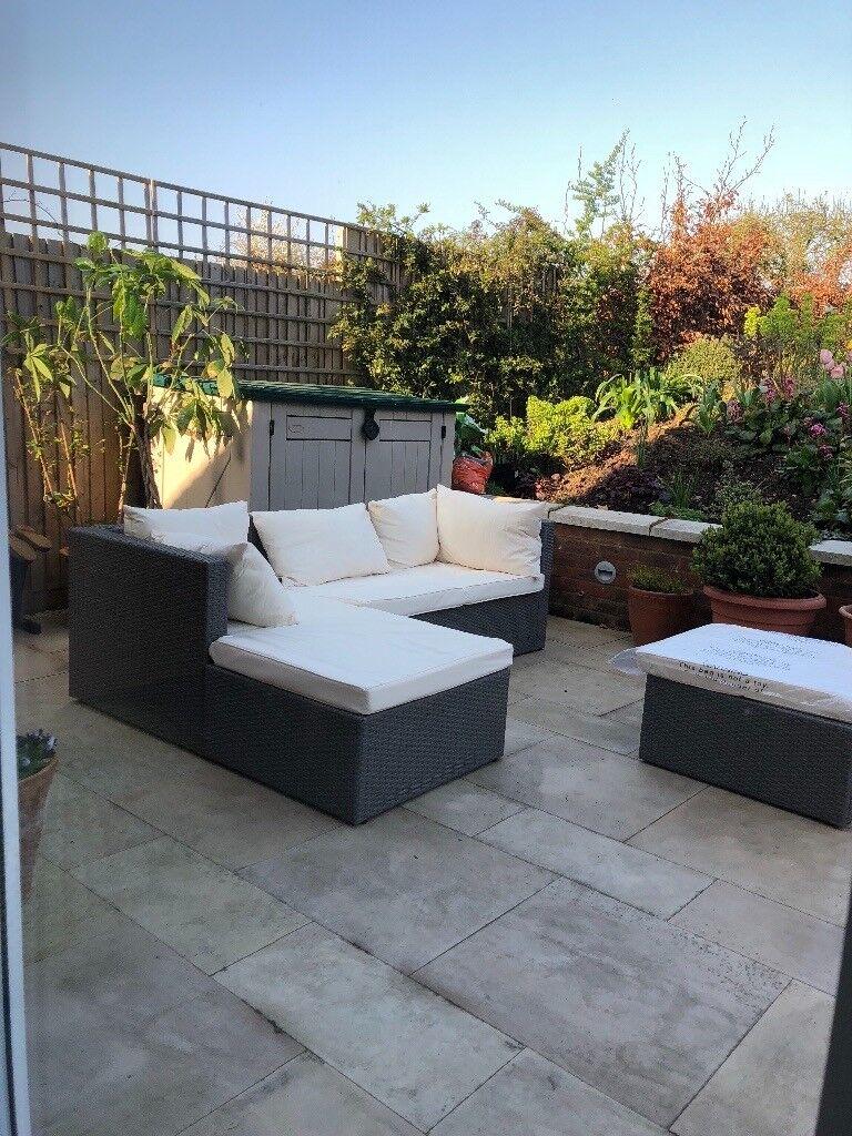 Aldis special garden sofa set