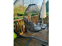 Garden swinging egg chair