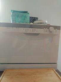 Mini dishwasher Indesit