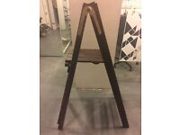 *BRAND NEW* Mahogany 131cm Step Ladder.