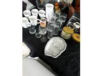 SELECTION OF VARIOUS KITCHEN ITEMS