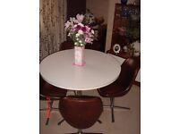 ROUND DINING / KITCHEN TABLE & FOUR CHAIRS