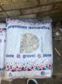 Buff cotswold 20mm gravel. 20kg bag.