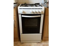 Single free standing gas cooker