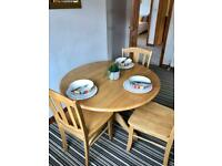 SOLID WOOD Round Kitchen Dining Table & 4 chairs RRP £700