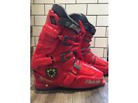 Men's Size 11 Raichle Ski Boots