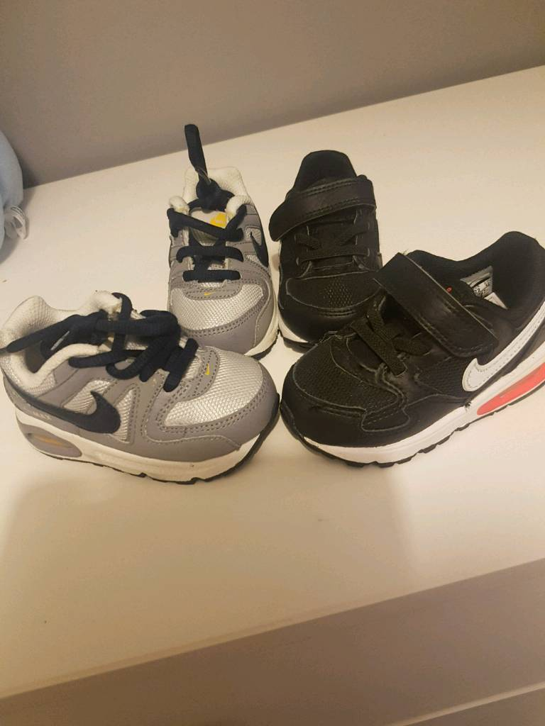 New boys nike air infant shoes size 5  066ec0b44