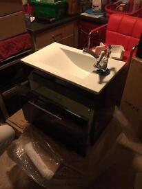 Wall hung vanity unit n sink gloss black no tap £80have other sinks