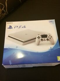 PS4 box only !!