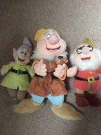3 Disney dwarves