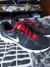 Men's Nike Downshifter 5 - Size 11
