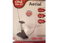 Amplified indoor TV aerial / antenna