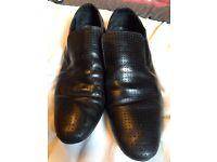 Men's size 10 Shoes