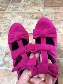 Pink Bow Shoes 6
