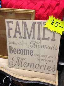 Shabby Chic wooden family sign picture ornament