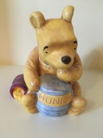 Winnie the Pooh money box / ornament