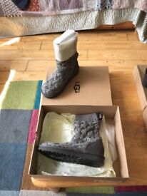 Authentic ugg boots size 5 (38)