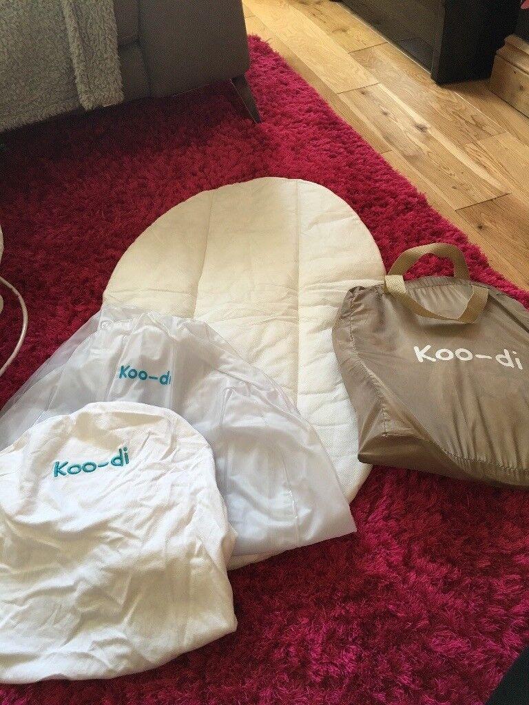 Koo-di sleep and sun pop up travel bassinette