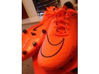 £20 new with the box size 10 Nike hypervenom phellon fg men's