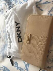 BNWT DKNY Leather Purse
