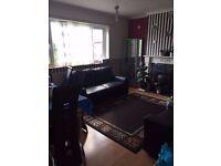 Lovely 3 bedroom purpose built flat available for rent in Gants Hill IG6 1HR
