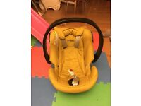 Excellent condition baby car seat suitable for 0-12 months baby