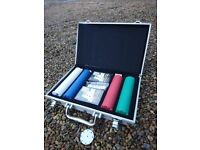 Texas Hold'em Poker Chip Set in Aluminum Case. Deck of Cards, Dealer Button - Rarely Used !!!