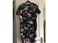 Ladies size 16 fabulous Dress