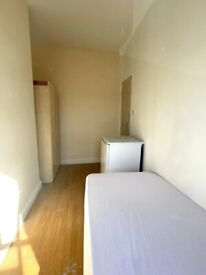 🔎🔑📍LOVELY SINGLE ROOM in Siddons Road - N17 9UT £95pw/ Near Bruce Grove Station - NO FEES.