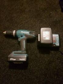 Makita drill cordless with 2battery