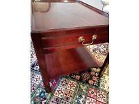 Good Quality Mahogany Side/Lamp Table