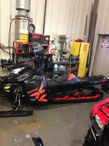 "2014 Ski-Doo Summit® X Rotax® E-TEC® 800R 163"" -Matte Black/Red"
