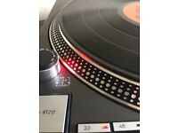 Technics SL 1210 MK2 turntable NEAR MINT CONDITION