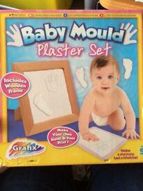 Moulding set for babies