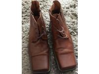 Men's tan leather boots from Dune, size 8, ex con