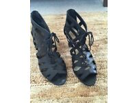 Ladies black strappy shoes size 6