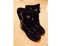 Men's winter boots, Aldi Adventuridge, UK size 11, £10