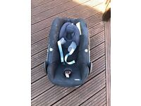 Maxi cosi pebble baby car sit in very good condition