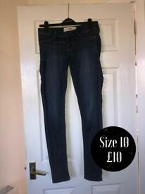 Hollister skinny dark blue jeans