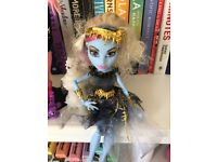 2 set- Monster High 13 wishes dolls