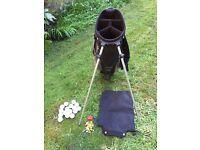 Dunlop lightweight golf bag plus accessories