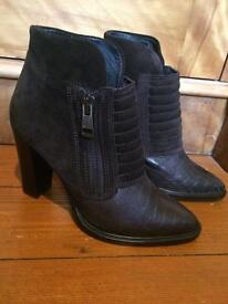All Saints Ladies Size 5