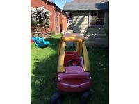 Toy car garden Little Tykes Cozy Coupe