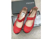 Ladies Stacccata shoes. Size 6