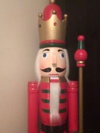 5 FOOT GIANT WOODEN SOLDIER CHRISTMAS NUTCRACKER